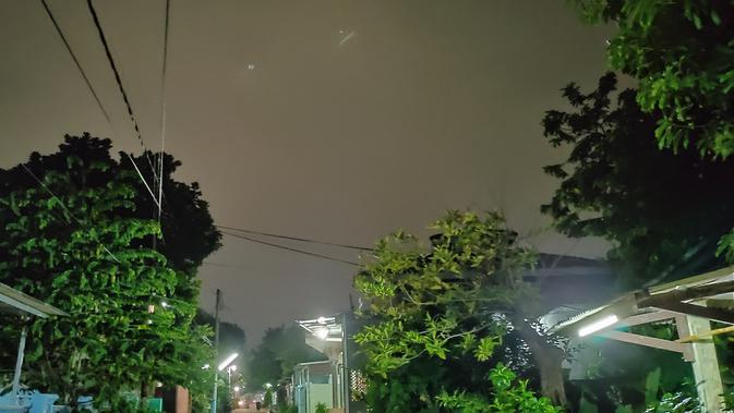 Hasil foto Realme X saat malam hari dengan fitur Nightscape (Foto: Andina Librianty/Liputan6.com)