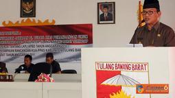 Penjabat Bupati Tulang Bawang Barat Hanan A Rozak menyampaian rancangan Kebijakan Umum Anggaran serta Prioritas dan Plafon Anggaran Sementara (KUA-PPAS) APBD Perubahan Kabupaten Tulang Bawang Barat Tahun 2011.