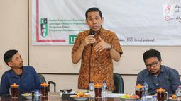 Founder KAHMIPreneur, Kamrussamad menjadi pembicara dalam Tadarus Ekonomi bertajuk Iklim Bisnis dan Stabilitas Harga Pasar, Jakarta, Minggu (7/6/2019). Tadarus Ekonomi membahas prospek ekonomi Indonesia pasca Pemilu 2019 yang dapat memberikan kepastian ekspektasi pasar. (Liputan6.com/Fery Pradolo)