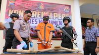 Tersangka kasus pembunuhan dengan korban ayah kandungnya, HE (34) terancam penjara 15 tahun. (Foto: Liputan6.com/Polres Kebumen/Muhamad Ridlo)
