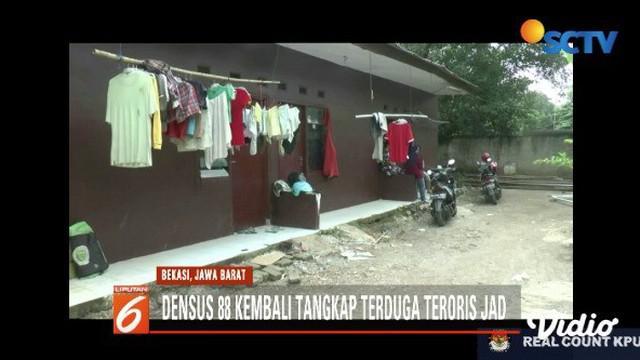 Densus 88 Antiteror kembali tangkap terduga teroris dari Jemaah Ansharut Daulah (JAD) Bekasi.