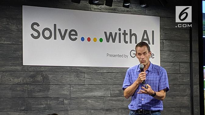 Jeff Dean, Senior Google Fellow dan Head of Google AI, saat membuka acara Google Solve with AI di Tokyo. (Liputan6.com/ Yuslianson)