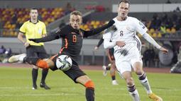Pasukan Oranye itu mampu menang dengan skor tipis 1-0. (AP/Roman Koksarov)