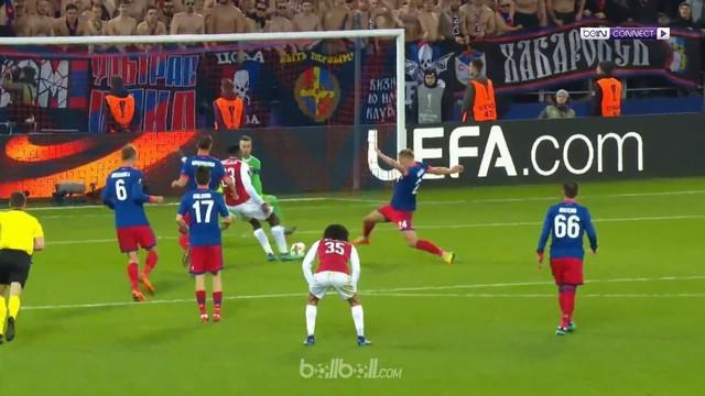 Danny Welbeck kembali bersinar sementara Mohamed Elneny berperan penting dengan dua assist saat Arsenal bangkit dari ketinggalan d...