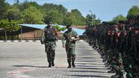 Pangdam VI Mulawarman Mayjen TNI Heri Wiranto  melepas  450 prajurit Yonif Raider 613 Raja Alam.