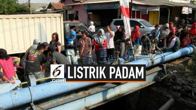 Akibat listrik se Jabodetabek padam sebagian warga Kota Tangerang menjebol aliran air di pipa PDAM untuk mendapatkan air. tindakan warga ini dimaklumi oleh PDAM Tirta Benteng Tangerang karena dalam kondisi darurat.