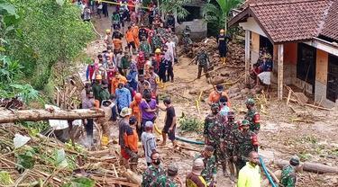 Longsor di Banyumas, Jawa Tengah menyebabkan lima korban jiwa. (Foto: Liputan6.com/Basarnas)