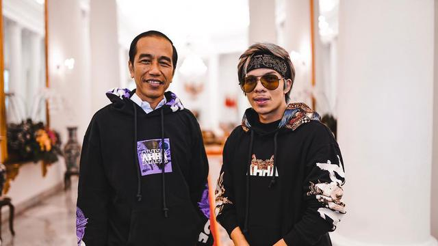 Presiden Joko Widodo Pakai Hoodie AHHA