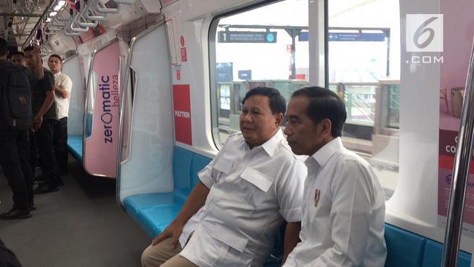 Pertemuan Jokowi dan Prabowo Subianto Usai Pilpres 2019 di MRT Jakarta. (Liputan6.com/Lizsa Egeham)