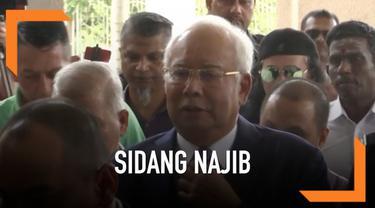 Sidang skandal pencucian uang mantan perdana menteri Malaysia, Najib Razak, mengungkap banyak hal. Salah satu bukti yang dipaparkan jaksa penuntut umum adalah Najib membelanjakan duit diduga hasil korupsi itu untuk membeli produk merek fesyen ternama...