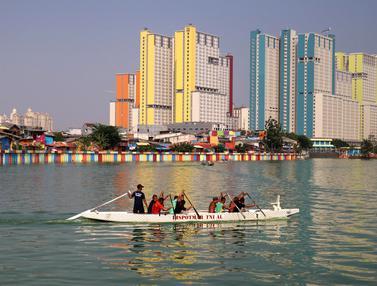 Jelang Poral 2018, Anggota TNI AL Latihan Dayung di Danau Sunter