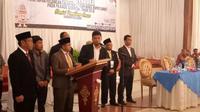 Rapat pleno terbuka penetapan pasangan calon bupati dan wakil bupati Garut. (Liputan6.com/Jayadi Supriadin)
