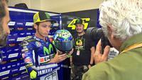 Valentino Rossi selalu menggunakan helm berdesain khusus di Sirkuit Misano dan Mugello.