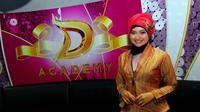 Alfinatul Mufidah, biduan asal Gresik, Jawa Timur yang tampil cantik dengan hijabnya.