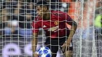 Marcus Rashford mencetak gol untuk Manchester United ke gawang Valencia. (AFP/Jose Jordan)