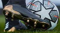 Sepatu bola Adidas Copa Sense. (Adidas.com)