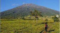 Usai Liburan Natal dan Tahun Baru, Gunung Rinjani Akan Ditutup 3 Bulan. (dok.Instagram @gunungrinjani_nationalpark/https://www.instagram.com/p/CGL5M5clEHU/Henry)