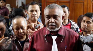 20150818-Sidang Perdana Mucikari Artis RA-Jakarta