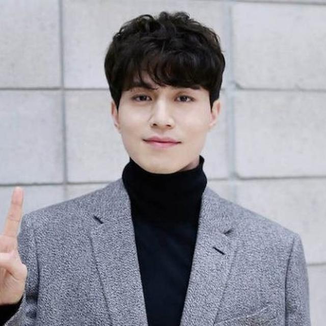 Saking Ngerinya Akting Lee Dong Wook Kru Drama Sampai Menenangkan Penonton Showbiz Liputan6 Com