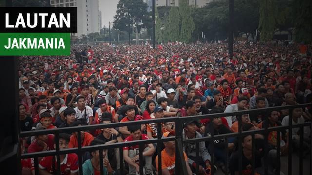 Berita video jakmania nobar pertandingan di tempat yang tidak jauh dari Stadion Utama Gelora Bung Karno, Sabtu (9/12/18).