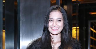 Pemeran dalam film Rudy Habibie, Indah Permatasari mengaku malas pergi ke salon. Gadis 19 tahun itu lebih memilih perawatan di rumah. (Galih W. Satria/Bintang.com)