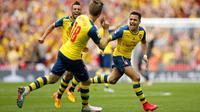 Sepakan keras kaki kanan Alexis Sanchez dari luar kotak penalti menghujam deras gawang Aston Villa.