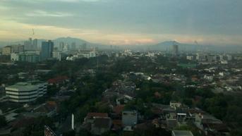 Cuaca Hari ini Sabtu 25 September 2021, Jakarta Pagi Berawan, Siang Berpotensi Hujan Lebat