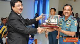 Citizen6, Surabaya: Penanda tanganan perjanjian kerja sama tersebut sebagai refleksi rasa tanggung jawab yang tinggi dari instansi yang membawahi lembaga pendidikan. (Pengirim: Penkobangdikal)