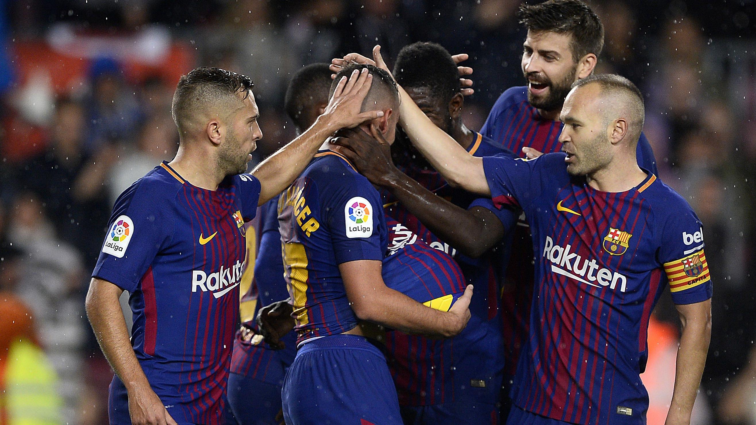 Kesalahan Barcelona kerap dicari-cari oleh suporter klub rival. (AFP/Josep Lago)