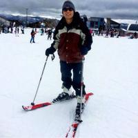 Ben Kasyafani sedang bermain ski di Mount Buller, Australia (Instagram)