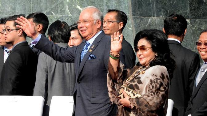 Mantan Perdana Menteri Malaysia Najib Razak dan istrinya Rosmah Mansor (AFP)