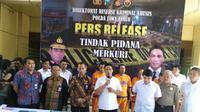 Direktorat Reserse Kriminal Khusus Polda Jatim tindak pidana merkuri (Foto:Liputan6.com/Dian Kurniawan)