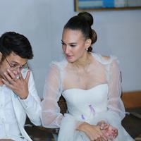 Resepsi pernikahan Nadine Chandrawinata dan Dimas Anggara (Adrian Putra/bintang.com)