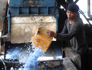 Melirik Dunia Bisnis Pengolahan Sampah Plastik