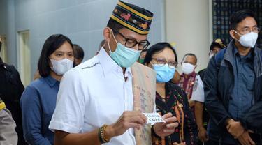 Menteri Pariwisata dan Ekonomi Kreatif (Menparekraf) Sandiaga Uno melakukan kunjungan kerja ke Labuan Bajo, NTT, 7 Januari 2021