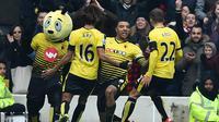 Striker Watford, Troy Deeney, merayakan gol yang dicetaknya ke gawang MU dalam lanjutan Liga Inggris di Stadion Icarage Road, Watford, Sabtu (21/11/2015). (AFP Photo/Ben Stansall)