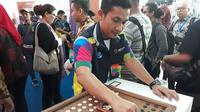 Semua permainan itu dan 70 permainan tradisional lainnya dihadirkan di Terminal 3 Bandara Internasional Soekarno Hatta