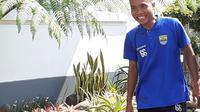 Bek tengah muda Persib Bandung, Mario Jardel. (Bola.com/Erwin Snaz)