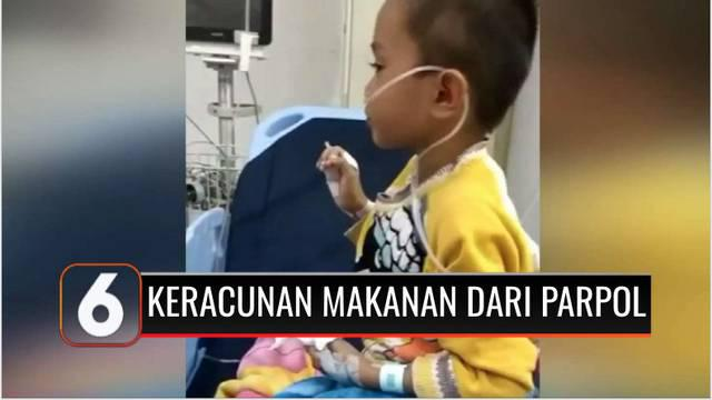Sebuah video memperlihatkan puluhan warga di Koja, Jakarta Utara, mengalami keracunan makanan setelah mengkonsumsi nasi kotak yang diberikan oleh salah satu partai politik pada Minggu (24/10). Warga mengalami sakit kepala, mual, dan muntah-muntah.