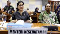 Menteri Kesehatan Nila F.Moeloek saat mengikuti Raker dengan Komisi IX DPR di Komplek Parlemen Senayan, Jakarta, Rabu (28/11). Menkes menjelaskan tugas, fungsi, wewenang dan keanggotaan konsil masing masing tenaga kesehatan. (Liputan6.com/Johan Tallo)