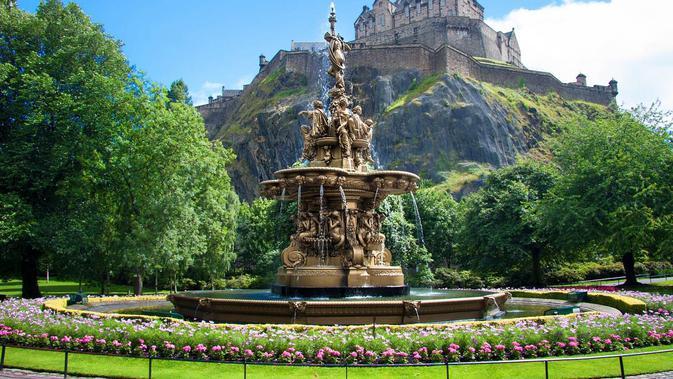 Edinburgh Castle, Skotlandia. (German Vidal/Getty Images)#source%3Dgooglier%2Ecom#https%3A%2F%2Fgooglier%2Ecom%2Fpage%2F%2F10000