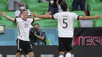 Robin Gosens. Nama Gosens mirip dengan layanan jasa antar barang di aplikasi transportasi daring di Indonesia. Robin Gosens yang merupakan pemain Timnas Jerman tersebut sudah tampil sebanyak dua kali di Euro 2020 dan menyumbangkan satu gol saat melawan Portugal. (Foto: AP/Pool/Matthias Schrader)