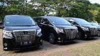 Toyota Alphard siap angkut rombongan Raja Salman. (Herdi/Liputan6.com)