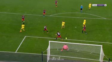 Berita video Caen sudah seperti juara setelah berhasil bertahan di Ligue 1 usai bermain imbang 0-0 kontra PSG. This video presented by BallBall.