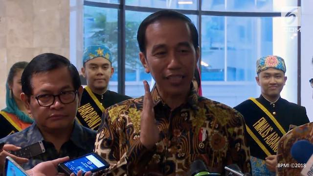 Presiden Joko Widodo menyatakan bahwa pemerintah tidak main-main dengan aksi pencurian ikan yang terjadi di perairan Indonesia.