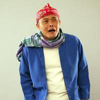 Saat menjalani proses film tersebut di Hongkong, Sule mengajak ayahnya sekaligus untuk liburan. Banyak kenangan terindah selama liburan.  Kesedihan bertambah saat filmnya tayang, ayahnya tak bisa lagi menyaksikan. (Nurwahyunan/Bintang.com)