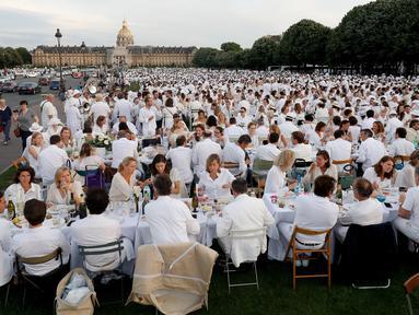 Makan Bersama di Prancis