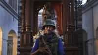 Tentara Sri Lanka berjaga. (AP)