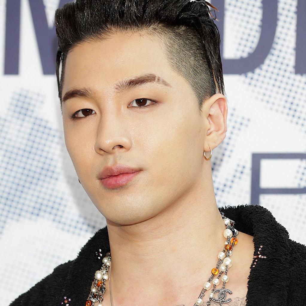 Baru-baru ini, Taeyang mendapat banyak pujian dari warganet karena tingkah lakunya. (foto: billboard.com)
