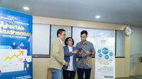 (Ki-ka) SEVP Mandiri Sekuritas Dannif Danusaputro, Direktur Mandiri Sekuritas, dan Kepala Program Studi Manajemen Fakultas Ekonomi dan Bisnis Universitas Indonesia Arief Wibisono Lubis, Ph.d